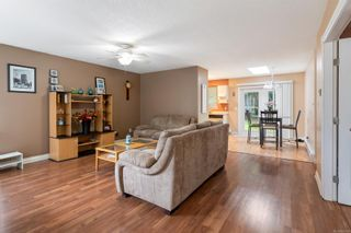 Photo 2: 6425 Portsmouth Rd in Nanaimo: Na North Nanaimo House for sale : MLS®# 869394