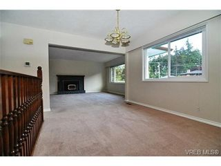 Photo 3: 504 Salton Dr in VICTORIA: Co Triangle House for sale (Colwood)  : MLS®# 703189