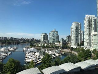 """Photo 1: 908 1033 MARINASIDE Crescent in Vancouver: Yaletown Condo for sale in """"QUAYWEST"""" (Vancouver West)  : MLS®# R2615852"""