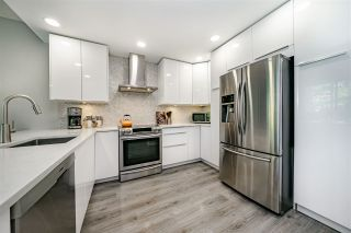 """Photo 2: 201 1705 MARTIN Drive in Surrey: Sunnyside Park Surrey Condo for sale in """"Southwynd"""" (South Surrey White Rock)  : MLS®# R2393853"""