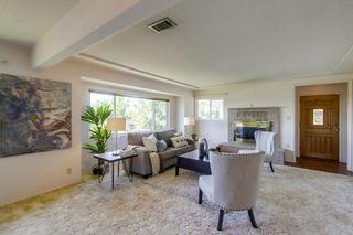 Photo 3: VISTA House for sale : 3 bedrooms : 2155 Warmlands Avenue