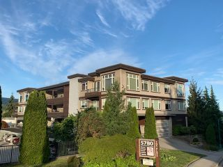 "Photo 1: 10 5780 TRAIL Avenue in Sechelt: Sechelt District Condo for sale in ""Tradewinds"" (Sunshine Coast)  : MLS®# R2476578"