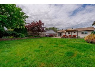 Photo 19: 17924 SHANNON Place in Surrey: Cloverdale BC House for sale (Cloverdale)  : MLS®# R2176477