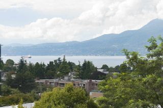 """Photo 2: 701 1736 W 10TH Avenue in Vancouver: Fairview VW Condo for sale in """"MONTE CARLO"""" (Vancouver West)  : MLS®# R2268278"""