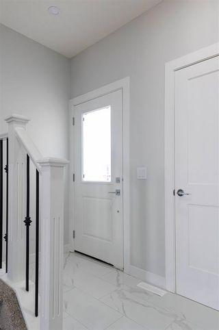 Photo 3: 226 39A Avenue in Edmonton: Zone 30 House Half Duplex for sale : MLS®# E4266268