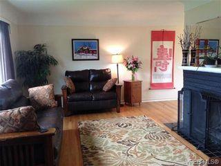 Photo 3: 542 Joffre St in VICTORIA: Es Saxe Point House for sale (Esquimalt)  : MLS®# 669680