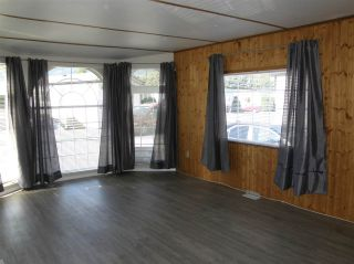 Photo 3: 20 62780 FLOOD HOPE Road in Hope: Hope Center Manufactured Home for sale : MLS®# R2491506