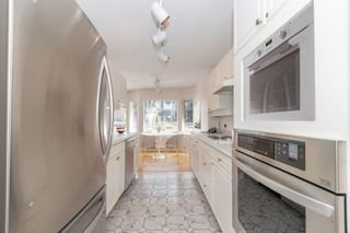 """Photo 7: 111 3670 BANFF Court in North Vancouver: Northlands Condo for sale in """"PARKGATE MANOR"""" : MLS®# R2617167"""