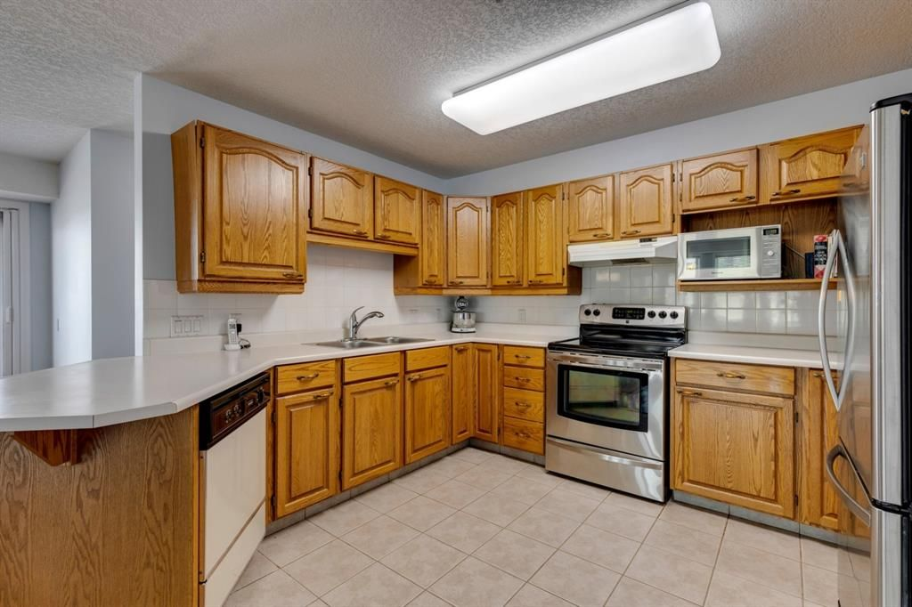 Photo 10: Photos: 1222 1818 Simcoe Boulevard SW in Calgary: Signal Hill Apartment for sale : MLS®# A1130769