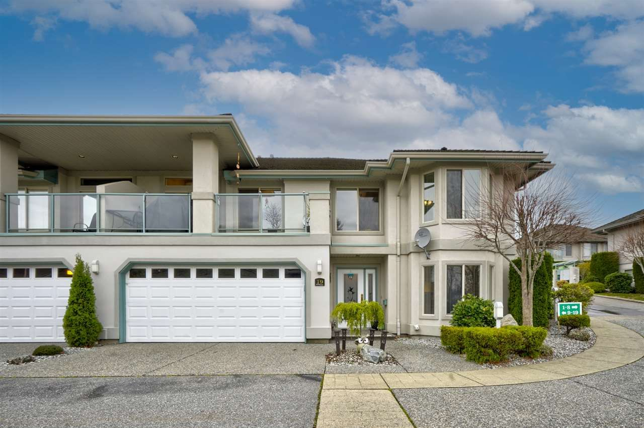 """Main Photo: 19 3555 BLUE JAY Street in Abbotsford: Abbotsford West Townhouse for sale in """"Slater Ridge Estates"""" : MLS®# R2516874"""