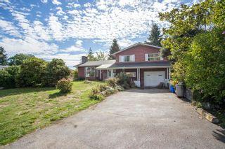 Photo 1: 15500 OXENHAM Avenue: White Rock House for sale (South Surrey White Rock)  : MLS®# R2620472