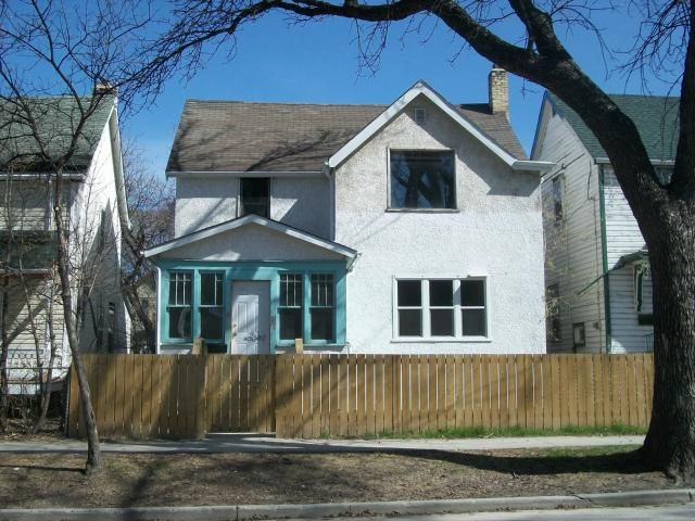 Main Photo: 377 Redwood Avenue in WINNIPEG: North End Residential for sale (North West Winnipeg)  : MLS®# 1209128