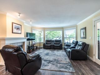 """Photo 4: 3394 198A Street in Langley: Brookswood Langley House for sale in """"Meadowbrook"""" : MLS®# R2586266"""