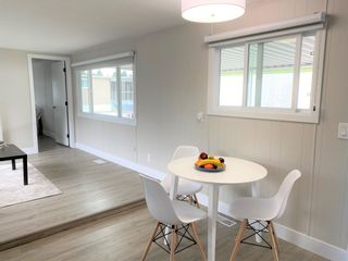 """Photo 5: 119 1840 160 Street in Surrey: King George Corridor Manufactured Home for sale in """"Breakaway Bays"""" (South Surrey White Rock)  : MLS®# R2598312"""