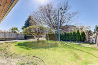 Photo 4: 6760 GOLDSMITH Drive in Richmond: Woodwards House for sale : MLS®# R2566636