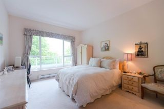 """Photo 13: 301 5262 OAKMOUNT Crescent in Burnaby: Oaklands Condo for sale in """"Sr. Andrews in the Oaklands"""" (Burnaby South)  : MLS®# R2271001"""