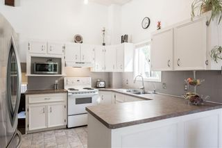 Photo 12: 144 RIVERBROOK Road SE in Calgary: Riverbend Detached for sale : MLS®# C4305996