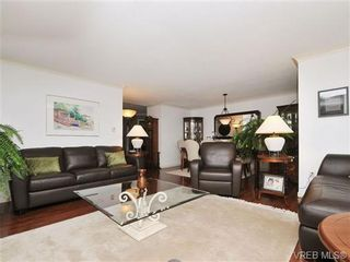 Photo 3: 903 630 Montreal St in VICTORIA: Vi James Bay Condo for sale (Victoria)  : MLS®# 690445