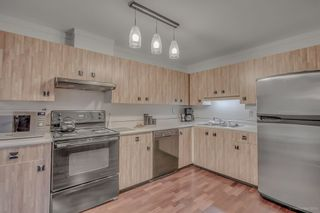 Photo 5: 5851 Mayview Circle in : Burnaby Lake Townhouse  (Burnaby South)  : MLS®# R2011887