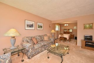 Photo 6: 27 Braden Crescent NW in Calgary: Brentwood House for sale : MLS®# C4191763