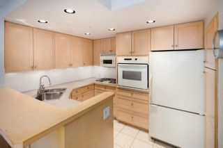 """Photo 11: B1 2202 MARINE Drive in West Vancouver: Dundarave Condo for sale in """"Stratford Court"""" : MLS®# R2616441"""