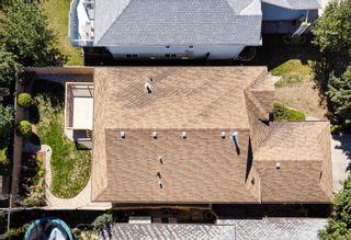 Photo 3: 935 115 Street NW in Edmonton: Zone 16 House for sale : MLS®# E4261959