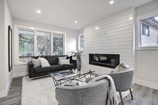 Photo 5: 428 Queensland Place SE in Calgary: Queensland Detached for sale : MLS®# A1123747
