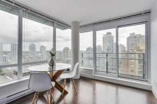 Photo 3: 1701 1088 Richards Street in Vancouver: Yaletown Condo for sale (Vancouver West)