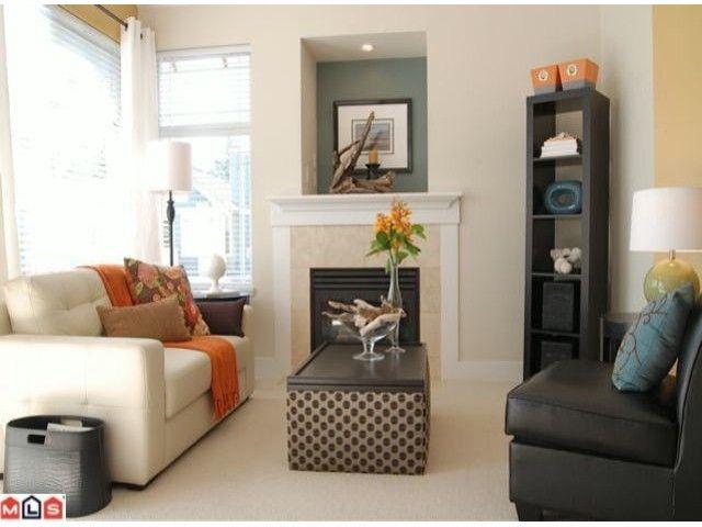 """Photo 2: Photos: 402 15368 16A Avenue in Surrey: King George Corridor Condo for sale in """"OCEAN BAY VILLAS"""" (South Surrey White Rock)  : MLS®# F1018846"""