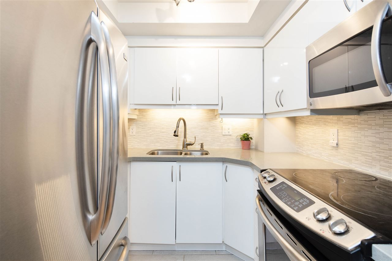 Photo 12: Photos: 3247 LONSDALE Avenue in North Vancouver: Upper Lonsdale Townhouse for sale : MLS®# R2521681