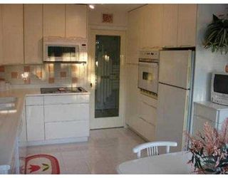 """Photo 3: 403 38 LEOPOLD PL in New Westminster: Downtown NW Condo for sale in """"EAGLE CREST"""" : MLS®# V565945"""