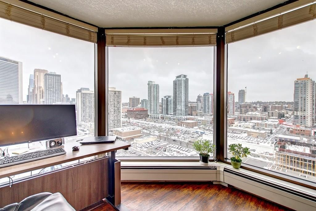 Main Photo: 1801 1100 8 Avenue SW in Calgary: Downtown West End Apartment for sale : MLS®# A1095397