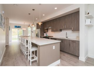 """Photo 3: 9 34230 ELMWOOD Drive in Abbotsford: Central Abbotsford Townhouse for sale in """"Ten Oaks"""" : MLS®# R2386873"""