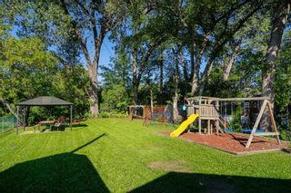 Photo 5: 858 Vimy Road in Winnipeg: Crestview Residential for sale (5H)  : MLS®# 202122118