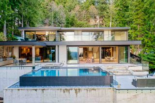 Photo 2: 4663 PROSPECT Road in North Vancouver: Upper Delbrook House for sale : MLS®# R2562197