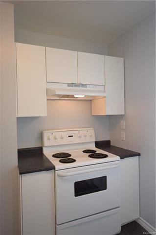 Photo 4: 222 Queen Street in Winnipeg: St James Residential for sale (5E)  : MLS®# 1815663