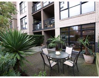 """Photo 9: 103 2181 W 10TH Avenue in Vancouver: Kitsilano Condo for sale in """"THE TENTH AVE"""" (Vancouver West)  : MLS®# V793542"""