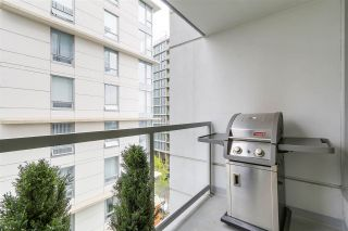 "Photo 7: 702 1887 CROWE Street in Vancouver: False Creek Condo for sale in ""PINNACLE LIVING"" (Vancouver West)  : MLS®# R2161379"