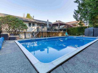 Photo 3: 890 RUNNYMEDE Avenue in Coquitlam: Coquitlam West House for sale : MLS®# R2567229