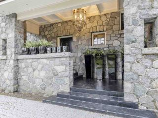 Photo 2: 3369 THE CRESCENT in Vancouver: Shaughnessy House for sale (Vancouver West)  : MLS®# R2534743