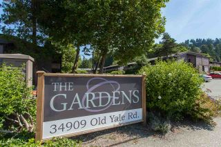 "Photo 1: 812 34909 OLD YALE Road in Abbotsford: Abbotsford East Townhouse for sale in ""The Gardens"" : MLS®# R2189327"