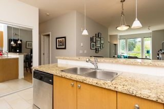 """Photo 17: 406 14 E ROYAL Avenue in New Westminster: Fraserview NW Condo for sale in """"Victoria Hill"""" : MLS®# R2092920"""