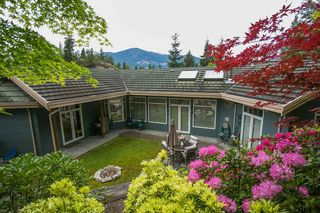 """Photo 1: 159 STONEGATE Drive in West Vancouver: Furry Creek House for sale in """"BENCHLANDS"""" : MLS®# R2069464"""