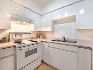 """Photo 17: 203 825 W 15TH Avenue in Vancouver: Fairview VW Condo for sale in """"The Harrod"""" (Vancouver West)  : MLS®# R2625822"""