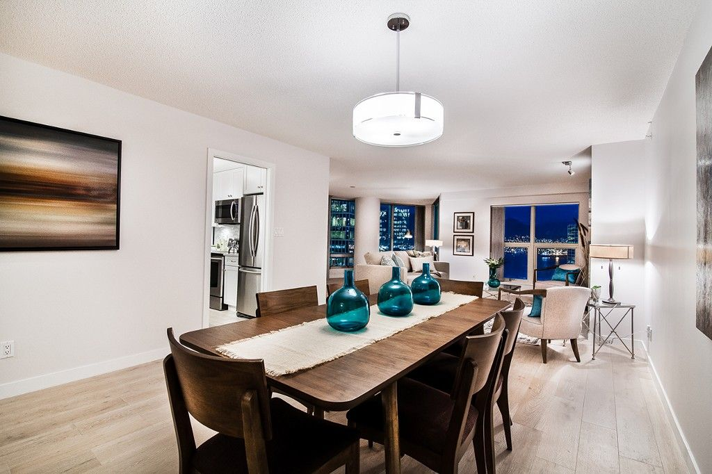 """Photo 16: Photos: 1901 837 W HASTINGS Street in Vancouver: Downtown VW Condo for sale in """"TERMINAL CITY CLUB"""" (Vancouver West)  : MLS®# R2134243"""