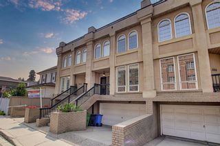 Photo 2: 1715 College Lane SW in Calgary: Lower Mount Royal Row/Townhouse for sale : MLS®# A1134459