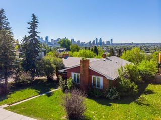 Photo 1: 1927 Briar Crescent NW in Calgary: Hounsfield Heights/Briar Hill Detached for sale : MLS®# A1065681