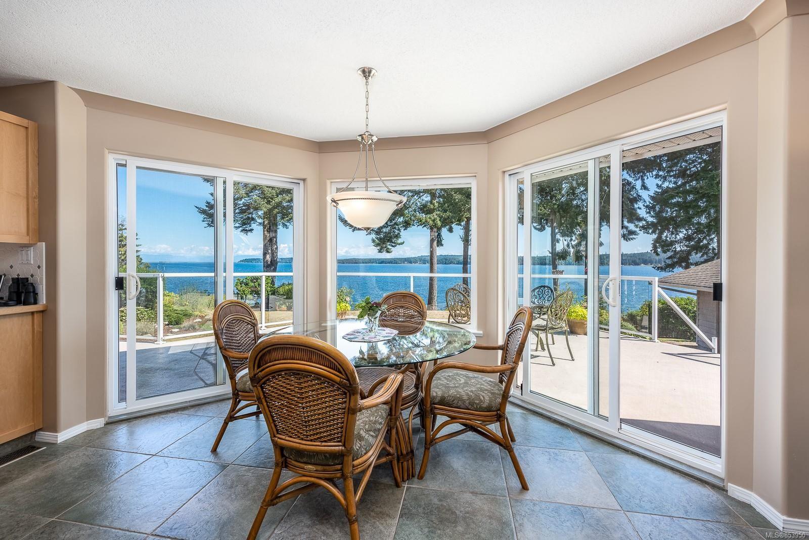 Photo 6: Photos: 5880 GARVIN Rd in : CV Union Bay/Fanny Bay House for sale (Comox Valley)  : MLS®# 853950