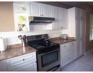 """Photo 4: 34 7465 MULBERRY Place in Burnaby: The Crest Townhouse for sale in """"SUNRIDGE"""" (Burnaby East)  : MLS®# V775314"""