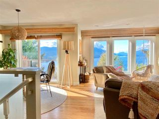 Photo 2: 5881 DEERHORN Drive in Sechelt: Sechelt District House for sale (Sunshine Coast)  : MLS®# R2576300